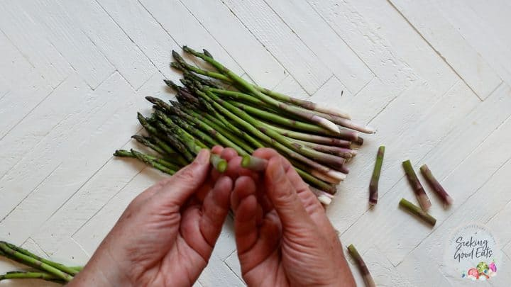 Trimming asparagus spears